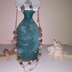 NWT stunning beaded necklace and earring set